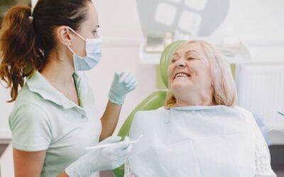 A importância da higiene e do acompanhamento preventivo após fazer um implante dentário